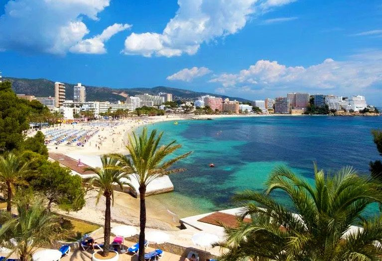In the heart of Magaluf, Playa de Magaluf is the longest beach in the resort at some 900m in length and the most popular